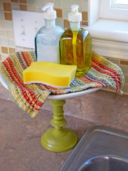 stand de pasteles para jabón en cocina