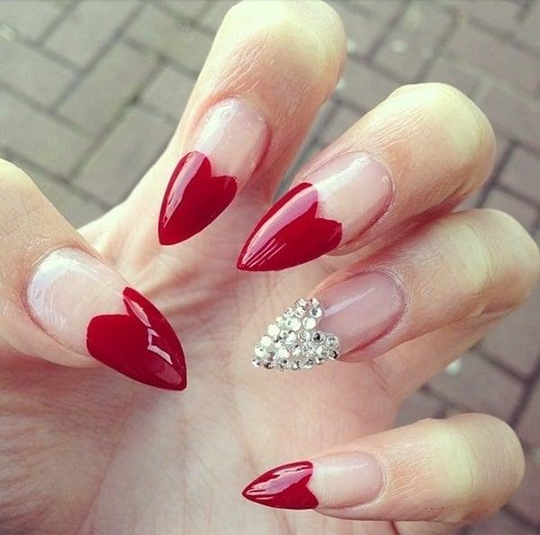 manicure rojo francés forma almendrada