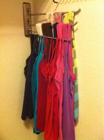 Gancho para colgar bufandas atrás de la puerta