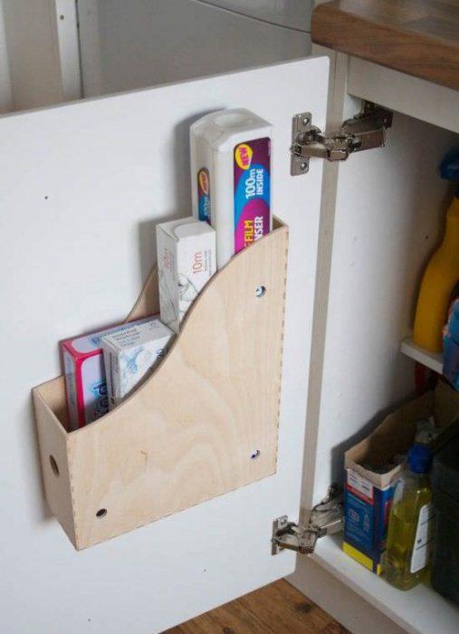 Revistero para acomodar cosas en la cocina