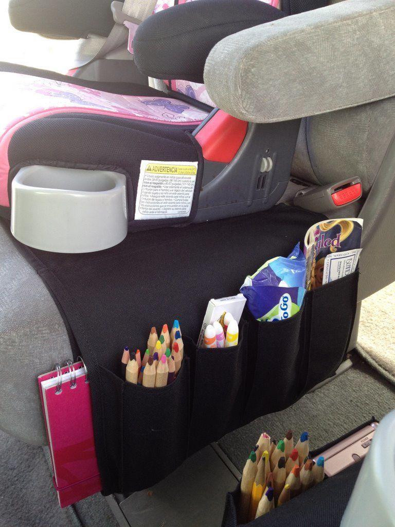 utiliza un organizador en el automvil para guardar las cosas de tus hijos