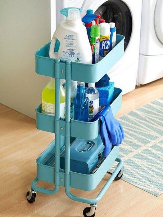Carrito que se mueve donde puedes poner productos higienicos