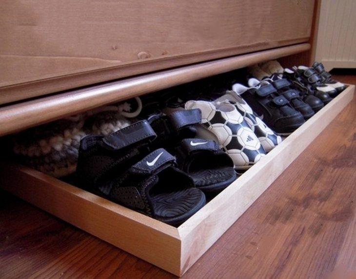 Organizador de zapatos que se coloca bajo la cama