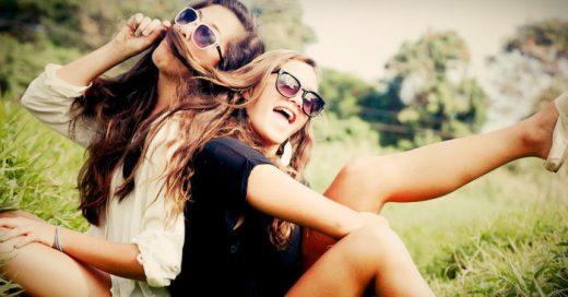 12 Problemas que enfrentas cuando eres la amiga que no se sabe quedar callada