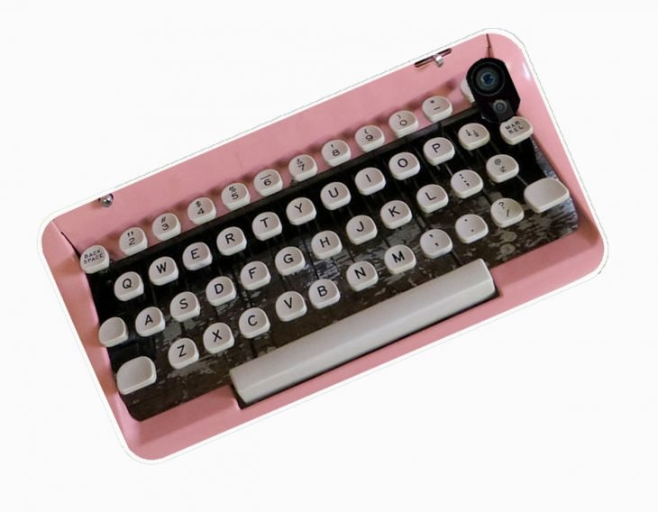 Funda retro para celular en forma de maquina de escribir
