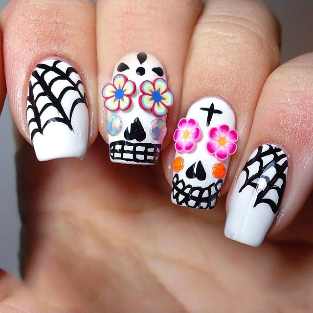Diseños de uñas para halloween estilo calaveras