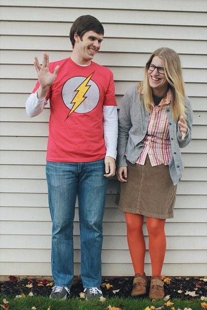 pareja disfrazada big bang theory