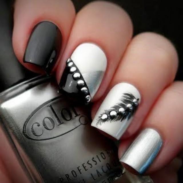 Uñas metalicas plateadas con negro