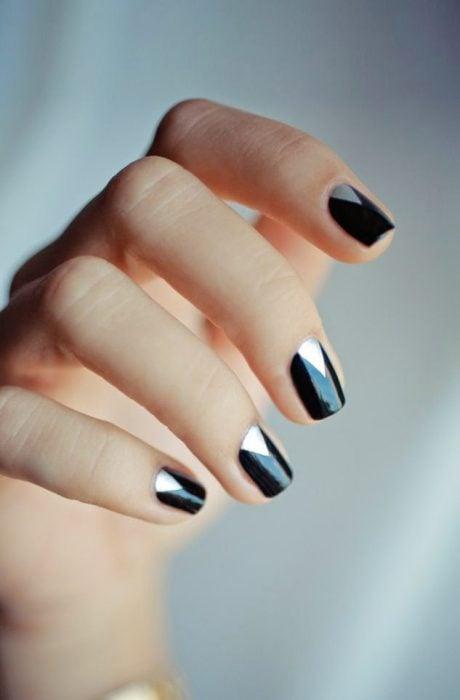 Uñas metalicas negro con plateado