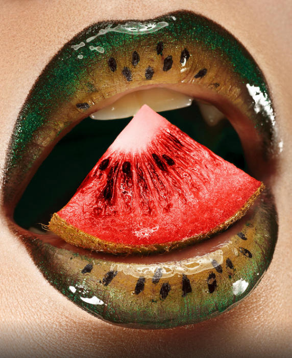 Diseño de labios para halloween en forma de sandia