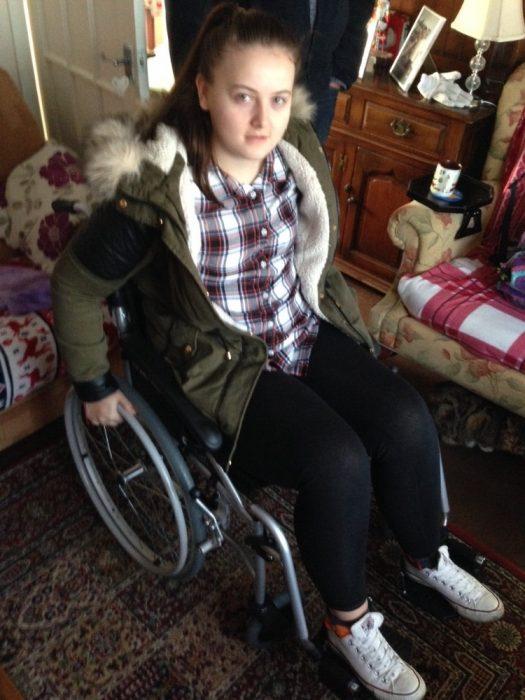 Chica que perdió la memoria y ahora esta en una silla de ruedas