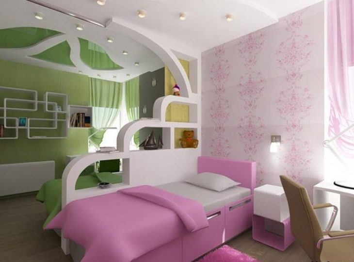 Cuarto para niño y niño dividido por una pared y con pintura en color verde y rosa