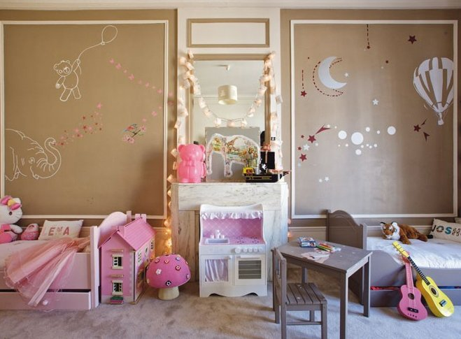 Cuarto de niño y niña pintado de color café y rosa