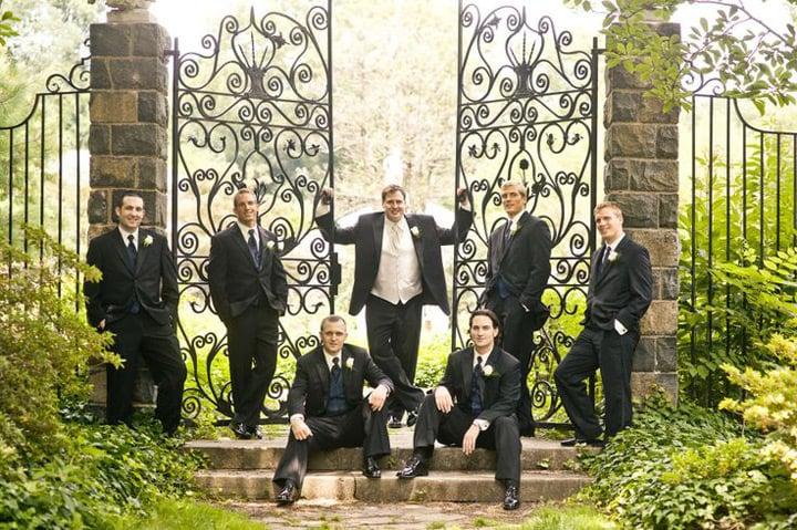 padrinos de boda posando
