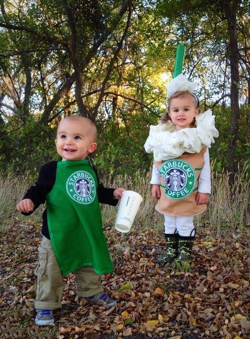niños disfrazados de café de starbucks