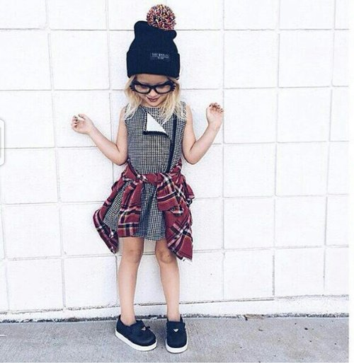 niña vestida grunge