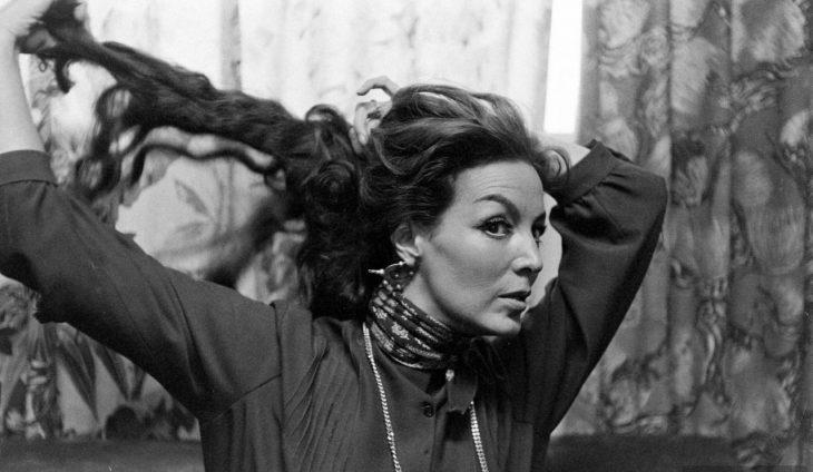 María Félix se suelta el cabello