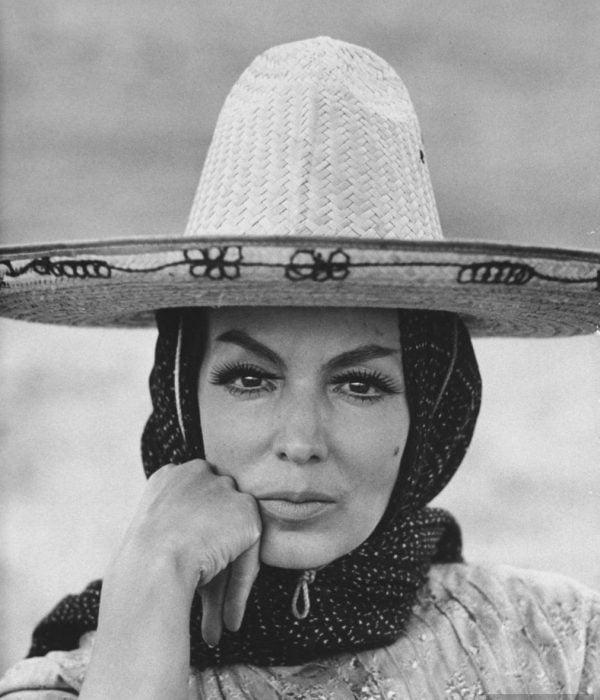 María Félix con sombrero charro