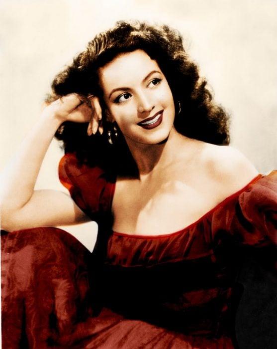 María Félix vestido rojo
