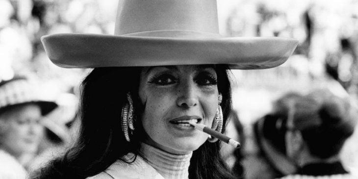 María Félix de sombrero