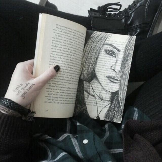 libro de dibujo y escritura con imagen de chica