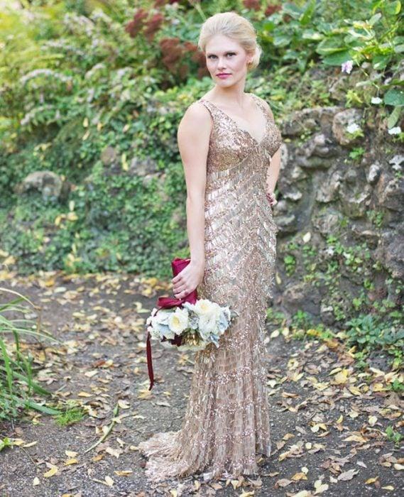 Vestido de novia en color dorando