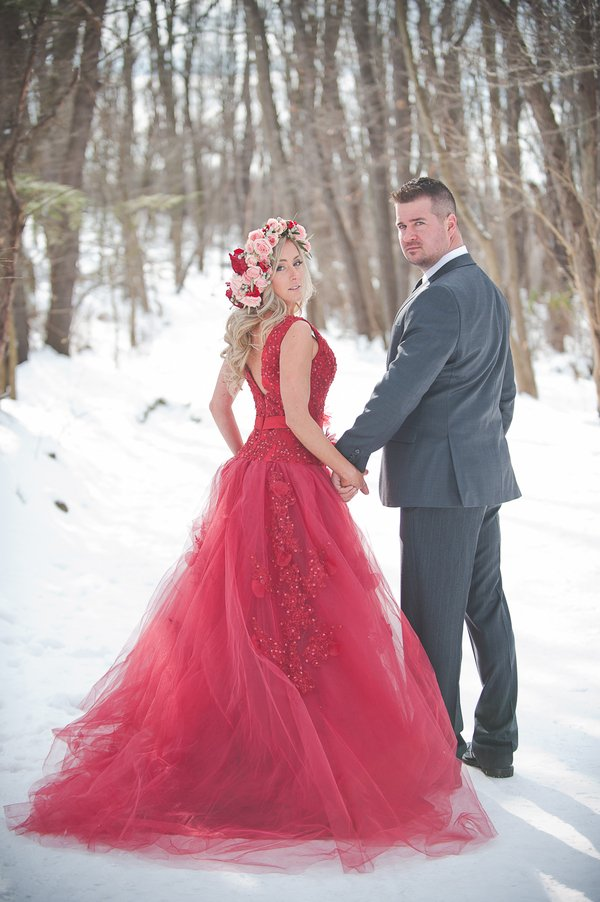 25 novias que no usaron un vestido blanco el día de su boda