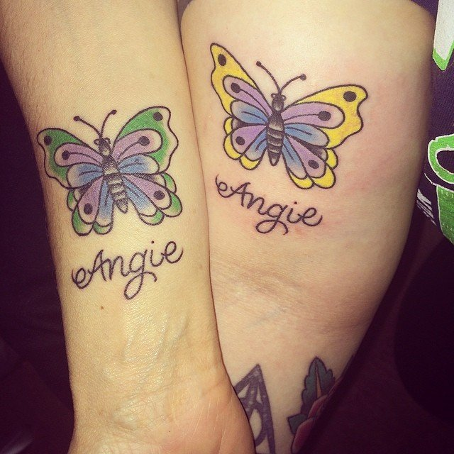 tatuajes madre e hijas mariposa