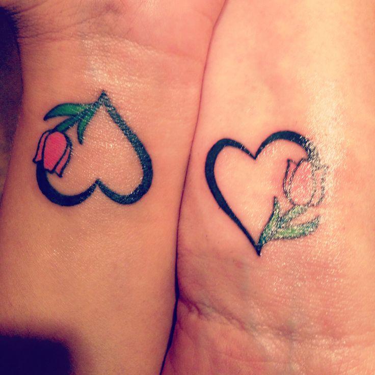 30 ideas de tatuajes para madre e hija sencillos y bonitos. Black Bedroom Furniture Sets. Home Design Ideas