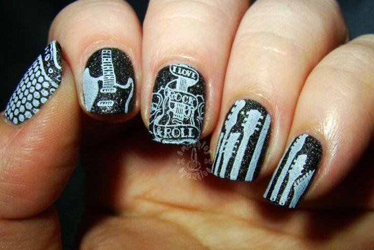 arte en uñas rockstar