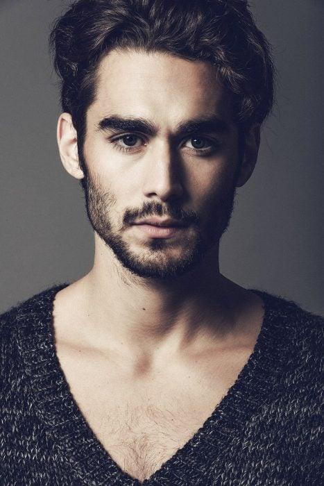 modelo barba corta