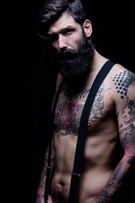 modelo barba larga hipster