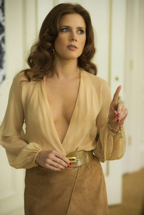 Actriz Amy Adams en la película escándalo americano