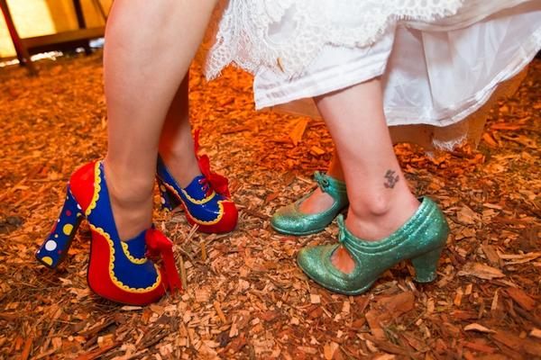 zapatos pintados a mano boda circo vintage