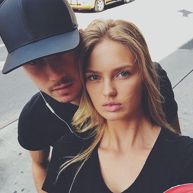 Modelo de victoria secret Romee Strijd sin maquillaje junto a su novio