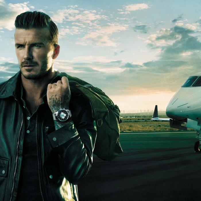 David Beckham bajando de un avión