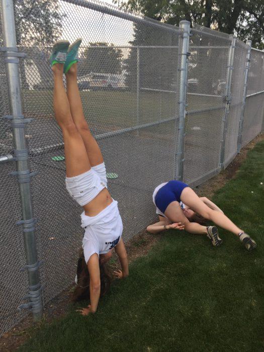 hay dos tipos de chicas practicando deportes, las que lo intentan y las que lo hacen perfecto