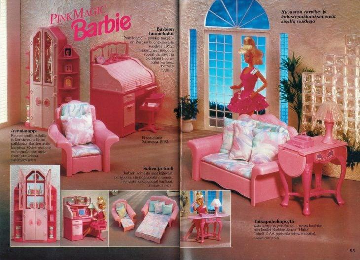 Sala de barbie con todos sus accesorios