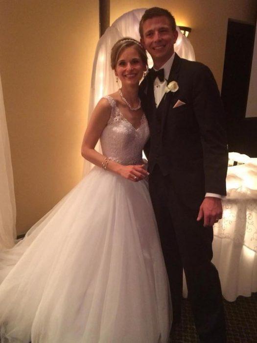 Greta Hokanson y su esposo