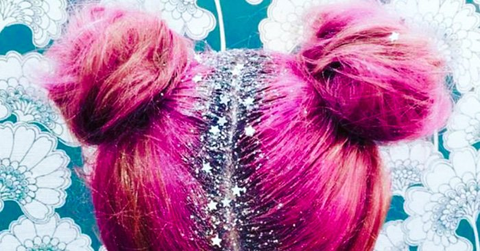 Nuevo estilo de llevar el cabello con brillos en las raices