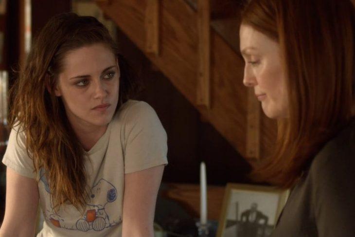 Kristen Stwart actuando en la película still alice