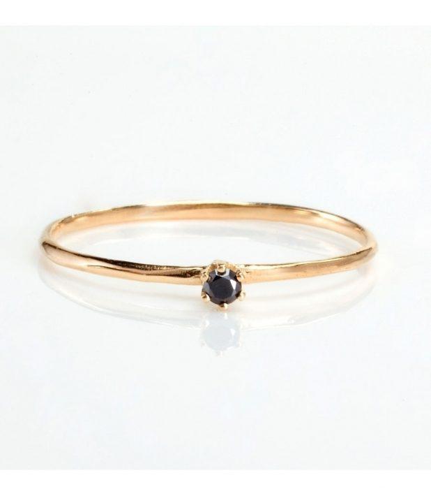 anillo minimalista