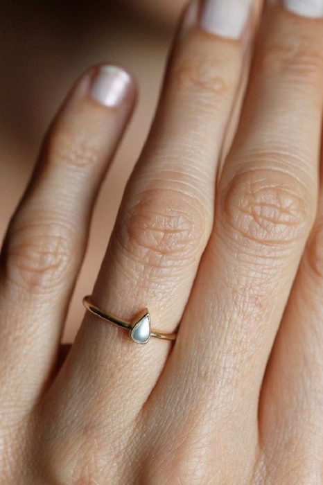 anillo forma de gota