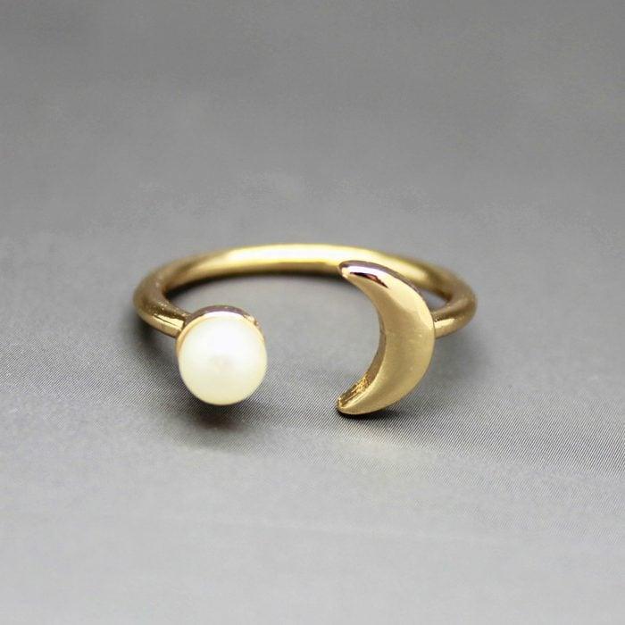 anillo perla y luna
