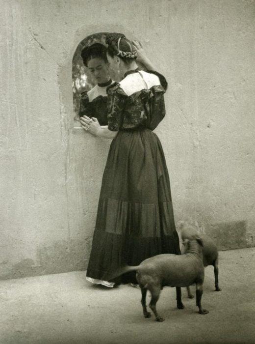 Frida Kahlo, fotografía de Lola Alvarez Bravo, 1944