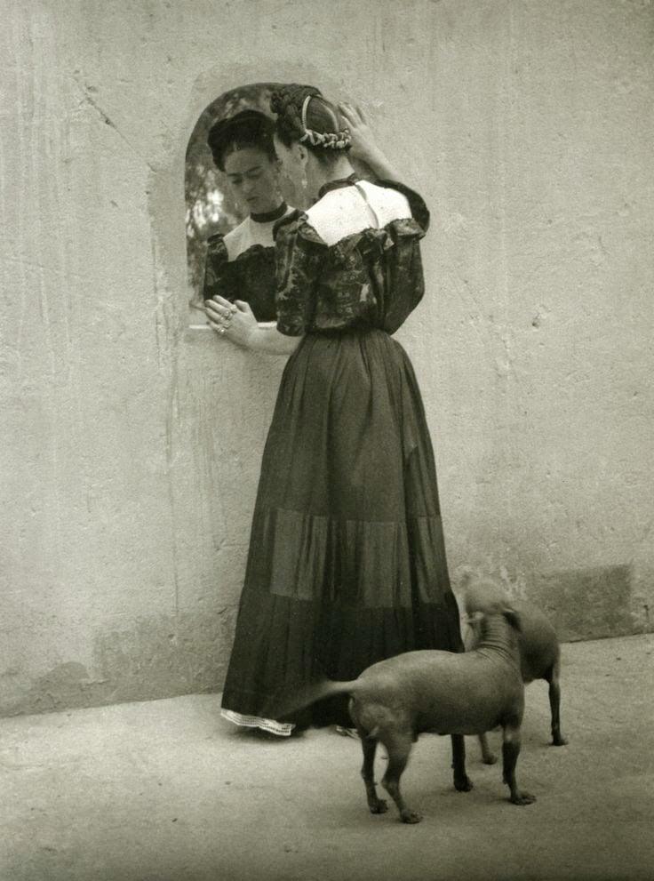 conoce la vida de la artista frida kahlo en 20 fotograf as. Black Bedroom Furniture Sets. Home Design Ideas