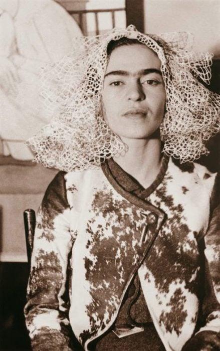 Frida Kahlo fotografiada por Lucienne Bloch en 1935