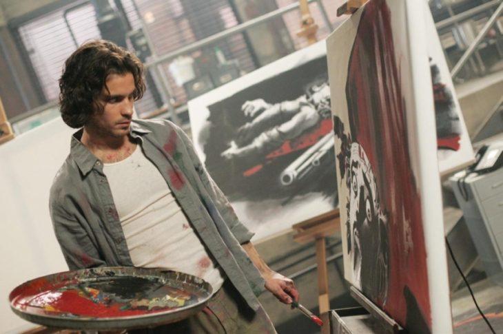 Escena de la serie heroes, artista pintando