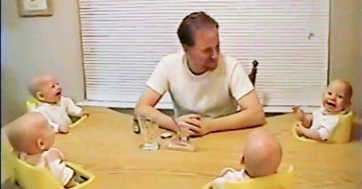 video de cuatrillizos que ríen a carcajadas con su papá