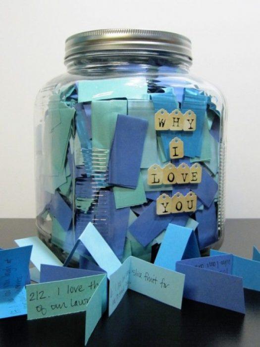 frasco con 365 mensajes de amor